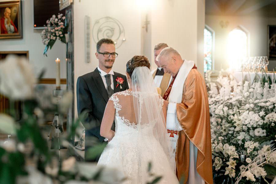 zdjęcia ślub kościół dobry fotograf
