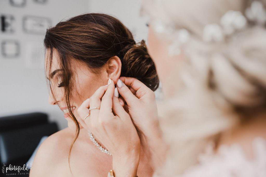 fotografia ślubna przygotowania do ślubu